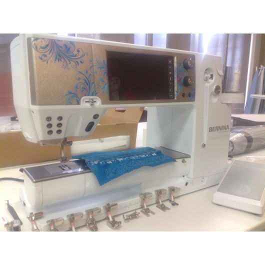 Bernina 880 Quilting Embroidery Sewing Machine